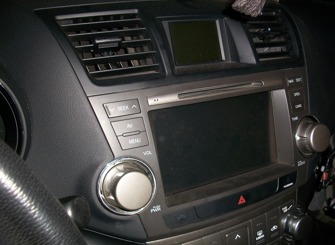 Тойота Хайландер автозвук